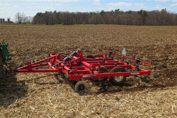 Brillion | Primary Tillage | Soil Builder