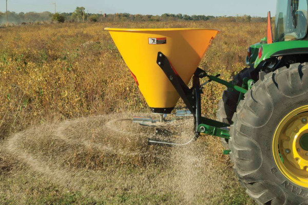 John Deere | Frontier™ Seeding Equipment | Frontier™ Broadcast Spreaders