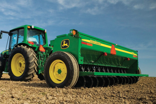 John Deere | Frontier™ Seeding Equipment | Frontier™ End-Wheel Grain Drills