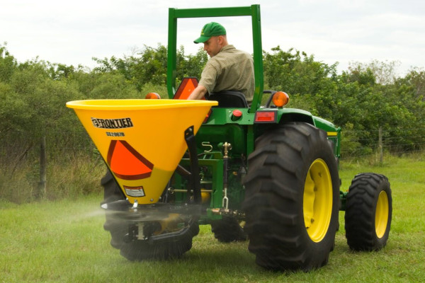 John Deere | Utility Tractor Attachments | Frontier™ Seeding Equipment