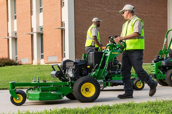 John Deere | Mowers and Tractors | Commercial Mowers