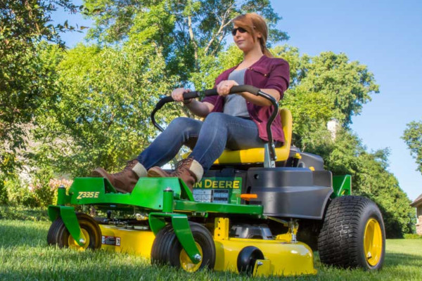 John Deere | ZTrak™ Zero-Turn Mowers | Z300 Series