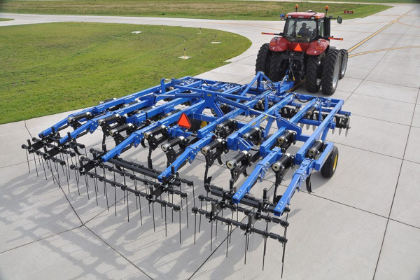 Landoll | Primary Tillage | 2100 Coulter Chisel