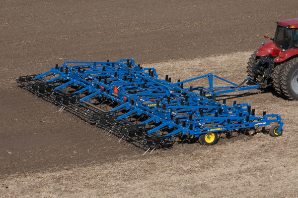 Landoll | Secondary Tillage & Seedbed Preparation | 9600 Series Field Cultivator