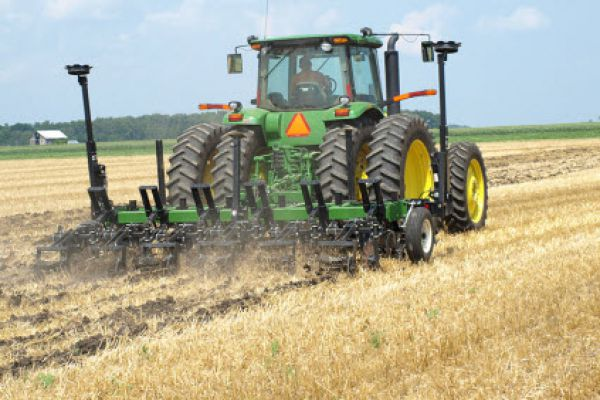 Unverferth | Ripper-Stripper® Strip-Till Subsoiler | Model 332 w/Conv. Strip Builder