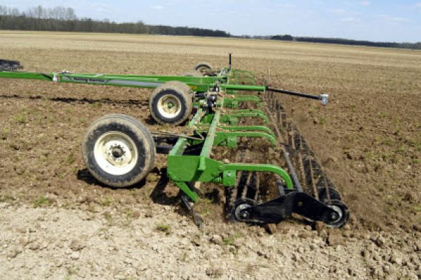 Unverferth | Seedbed Tillage | Rolling Harrow® Soil Conditioner