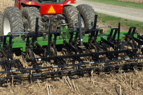 Unverferth | Primary Tillage | Zone-Builder® Subsoiler